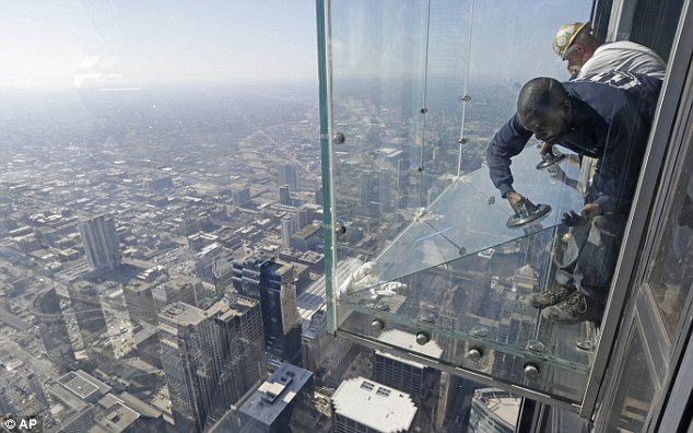 replace.sears.willis.tower.glass.ledge