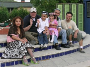 Oguzhan Tugrul and his family visit Tim Tate & Michael Janis at Istanbul's Glass Furnace, 2007.