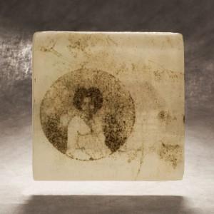 Cheryl  Derricotte, La Negresse, 2014, glass