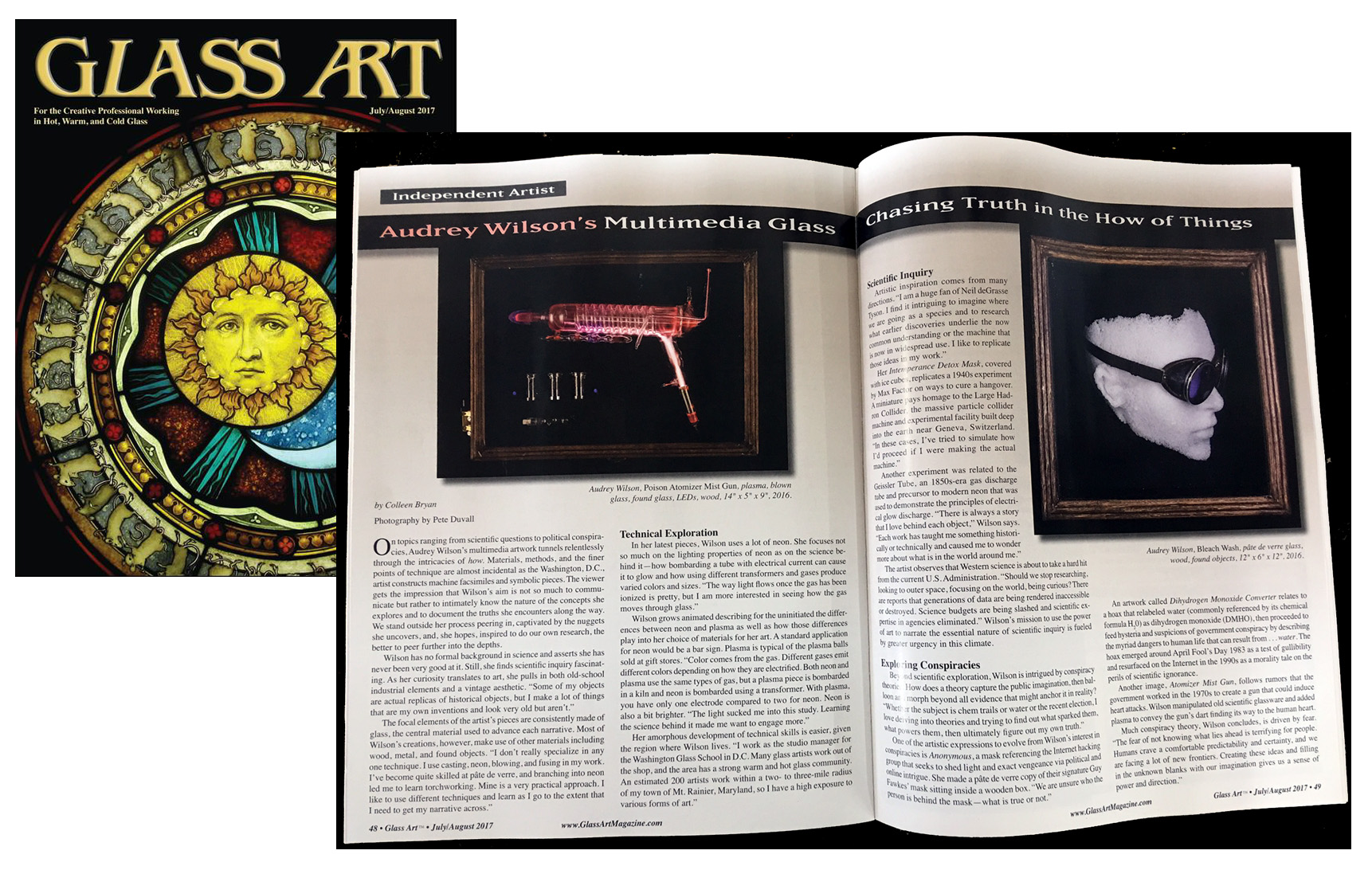 Glass Art Magazine features Audrey Wilson in the July/August issue